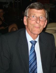 Alan Bostock FIH